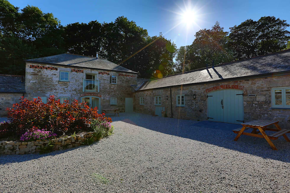 ​Barns Conversion, Cosawes Barton,  Ponsanooth:  Hotels by Lilly Lewarne Practice
