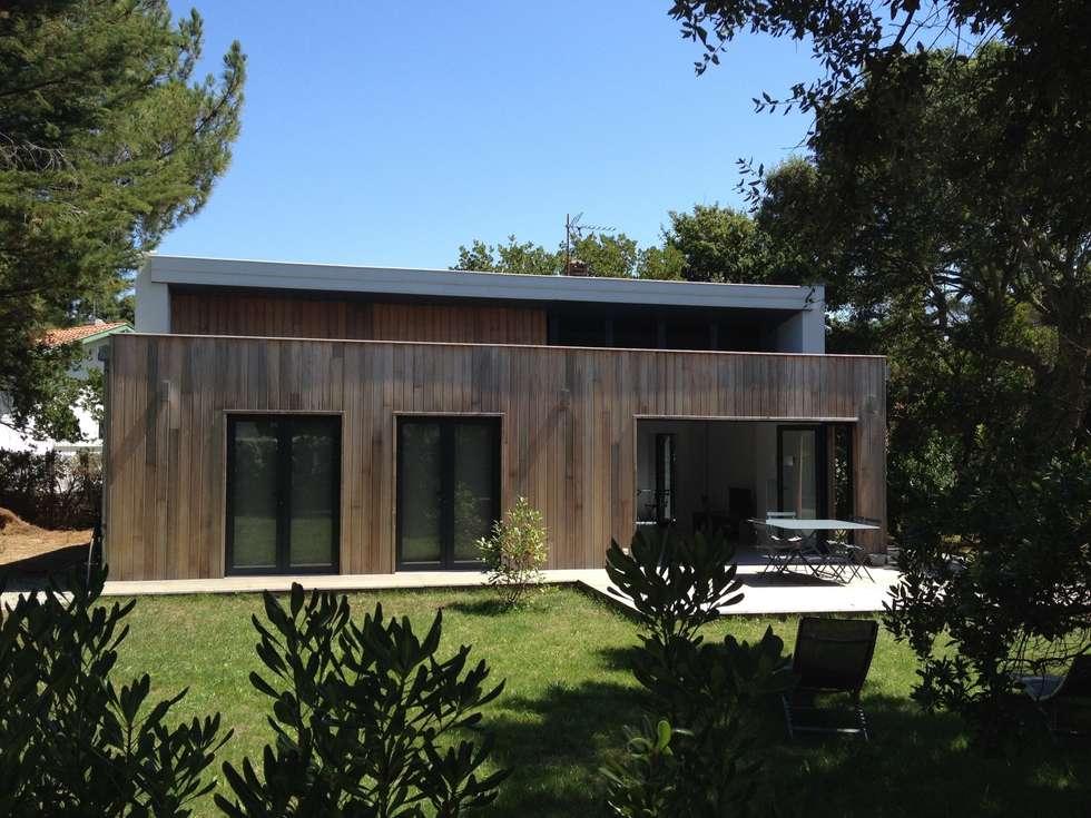 Barbara: Maisons de style de style Moderne par RencontreUnArchi