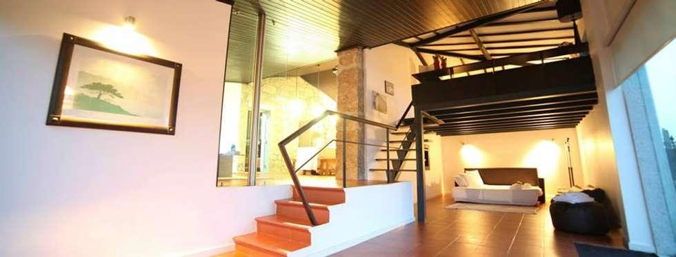 Quinta da Mouta, Manhente, Barcelos: Casas modernas por Alberto Craveiro, Arquitecto
