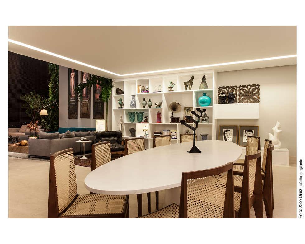 Hall de Entrada / Sala de Jantar: Salas de jantar ecléticas por Arquitetura 3
