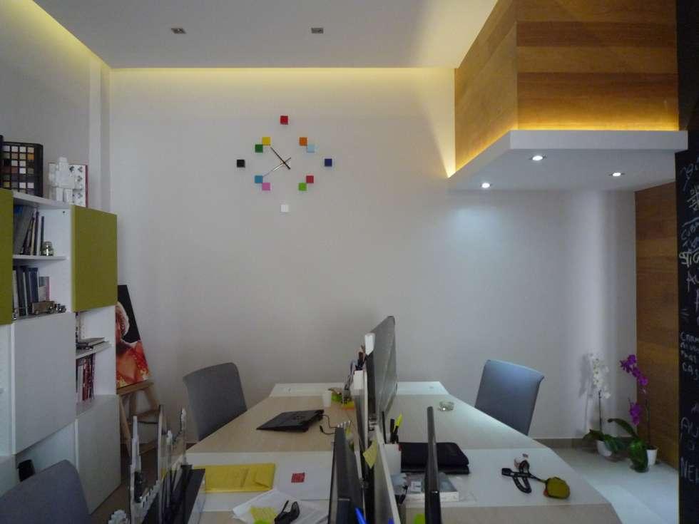 studio: Studio in stile in stile Moderno di architè