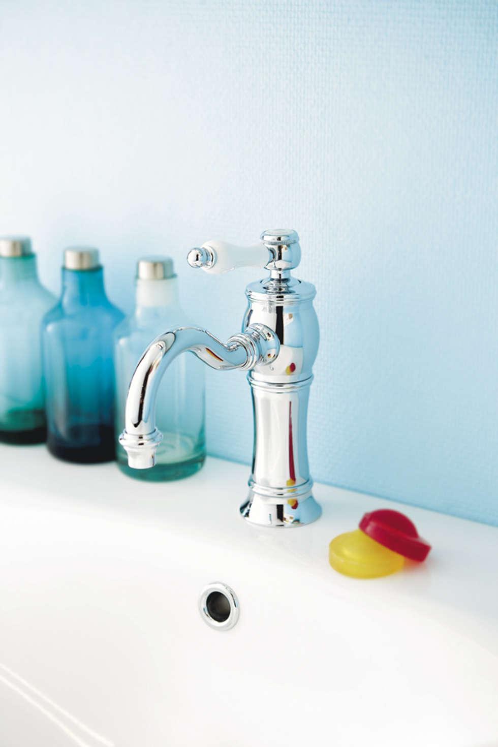Mitigeur lavabo Julia: Salle de bains de style  par HORUS