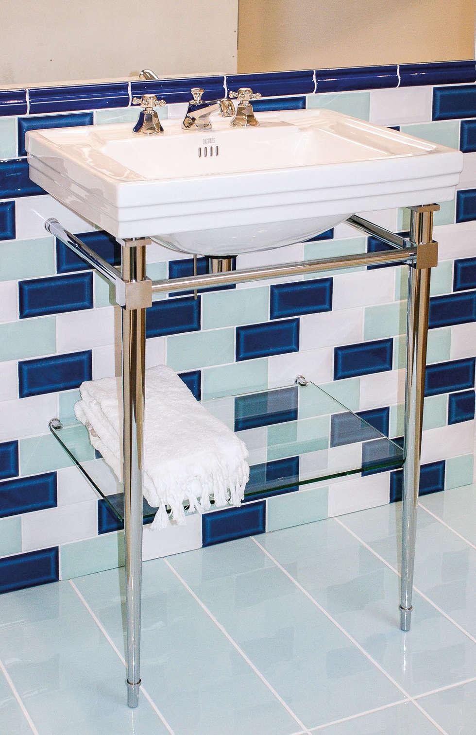 Console lavabo Ascott: Salle de bains de style  par HORUS