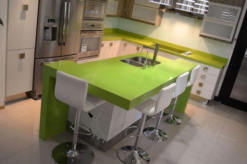 Cocina San Pedro  2: Cocinas de estilo minimalista por Toren Cocinas