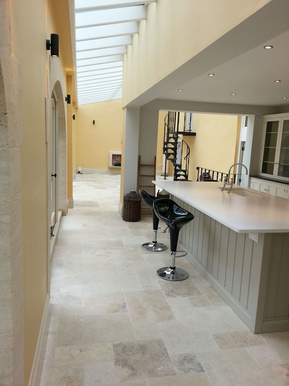 Country Mix Tumbled Travertine: Rustic Kitchen By Floors Of Stone Ltd
