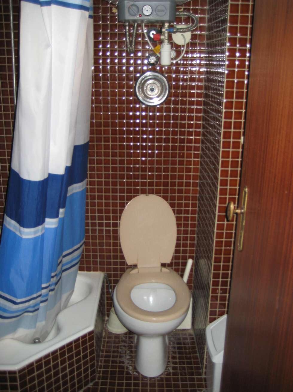 modern Bathroom by Germano de Castro Pinheiro, Lda
