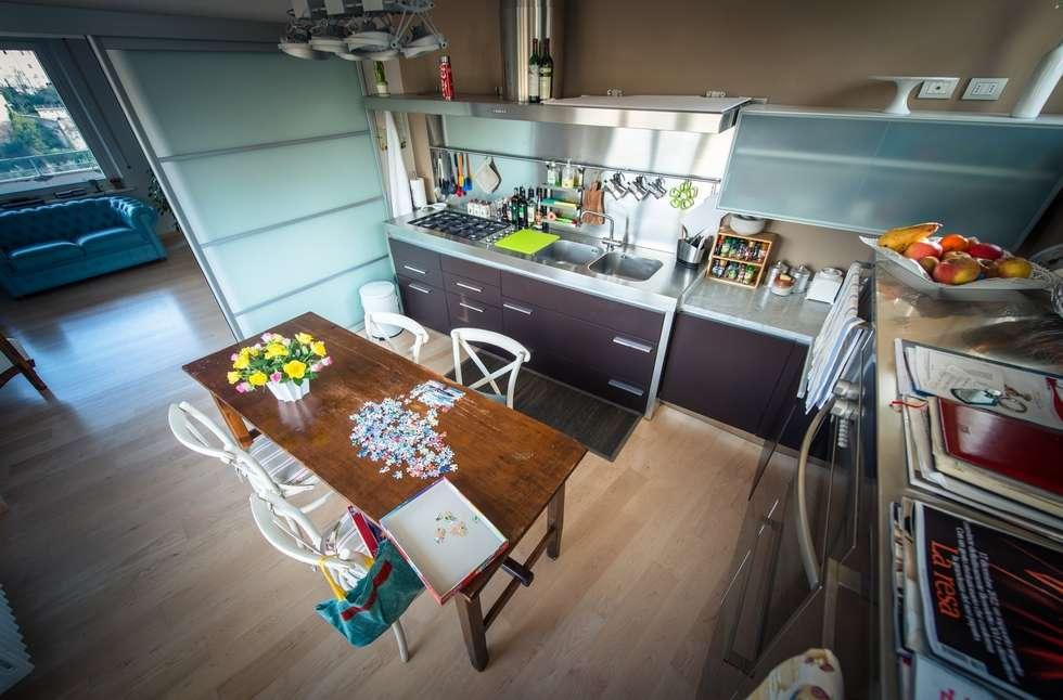 Luce naturale in cucina: Cucina in stile in stile Moderno di Studio Prospettiva
