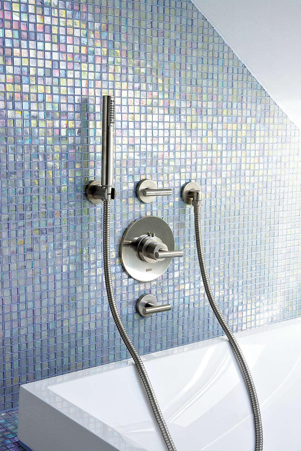 Duschaustattung Knick Stick: Salle de bains de style  par HORUS
