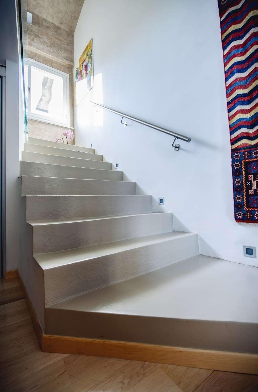 Prima rampa: Ingresso & Corridoio in stile  di Studio Prospettiva