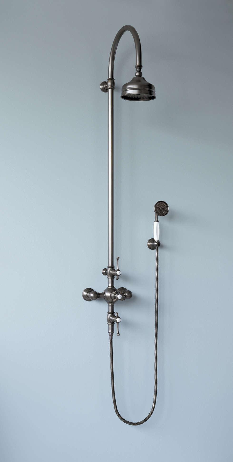 Mélangeur de douche mural complet, douche sur colonne réglable en hauteur: Salle de bains de style  par HORUS