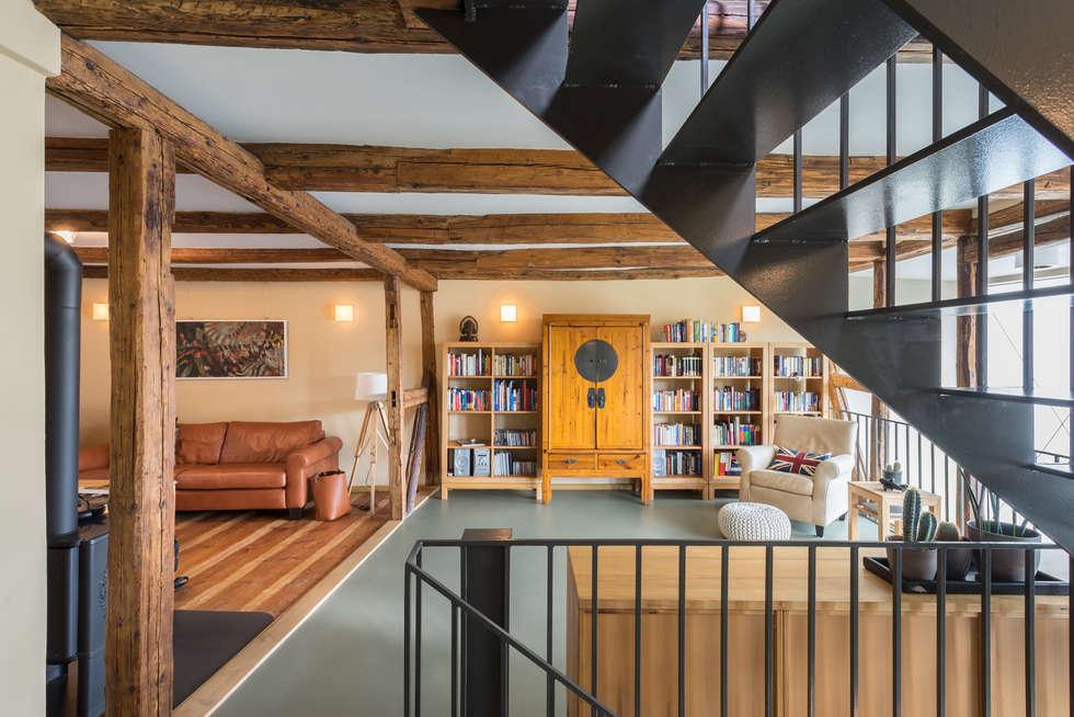 klassische wohnzimmer bilder: wohnzimmer im obergeschoss | homify, Wohnzimmer