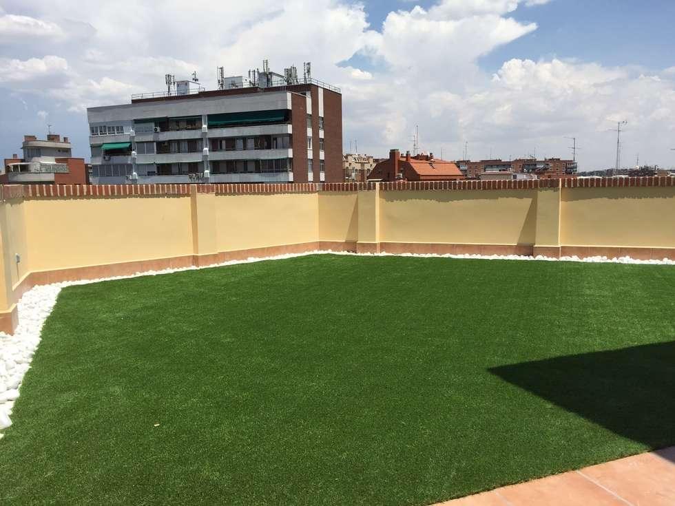 Terrazas de estilo por allgrass solutions homify - Cesped artificial terrazas ...