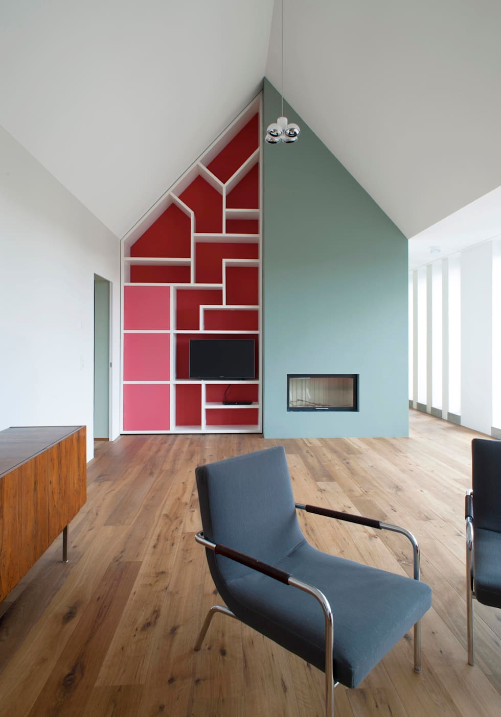 Dachwohnung Köln: moderne Wohnzimmer von Bachmann Badie Architekten
