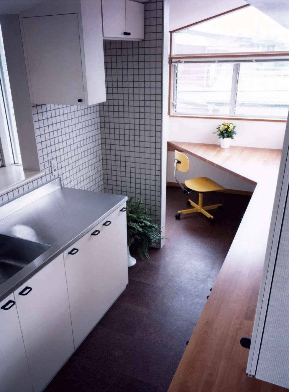Projekty,  Kuchnia zaprojektowane przez 加藤將己/株・将建築設計事務所