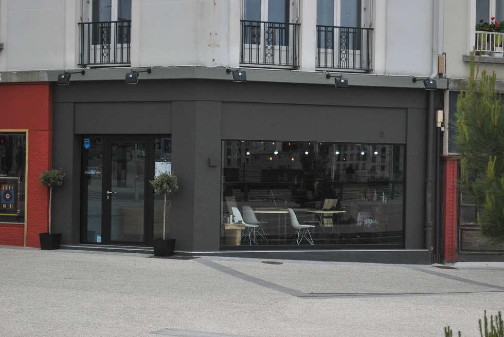 Le Comptoir Du Cheveu: Locaux commerciaux & Magasins de style  par Alcyone Design