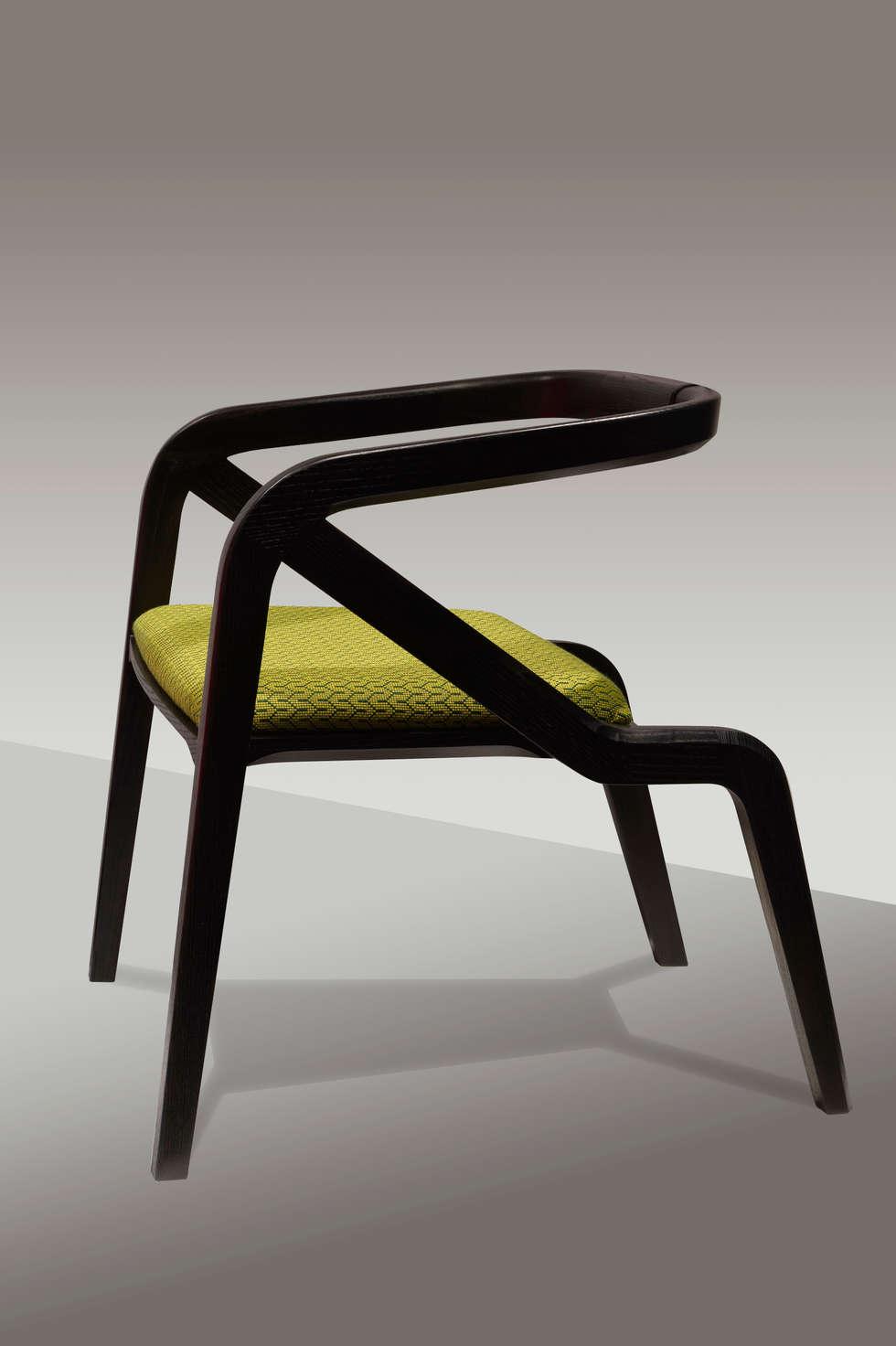 Vitrine Lelièvre - été 2015: Centre d'expositions de style  par Alcyone Design