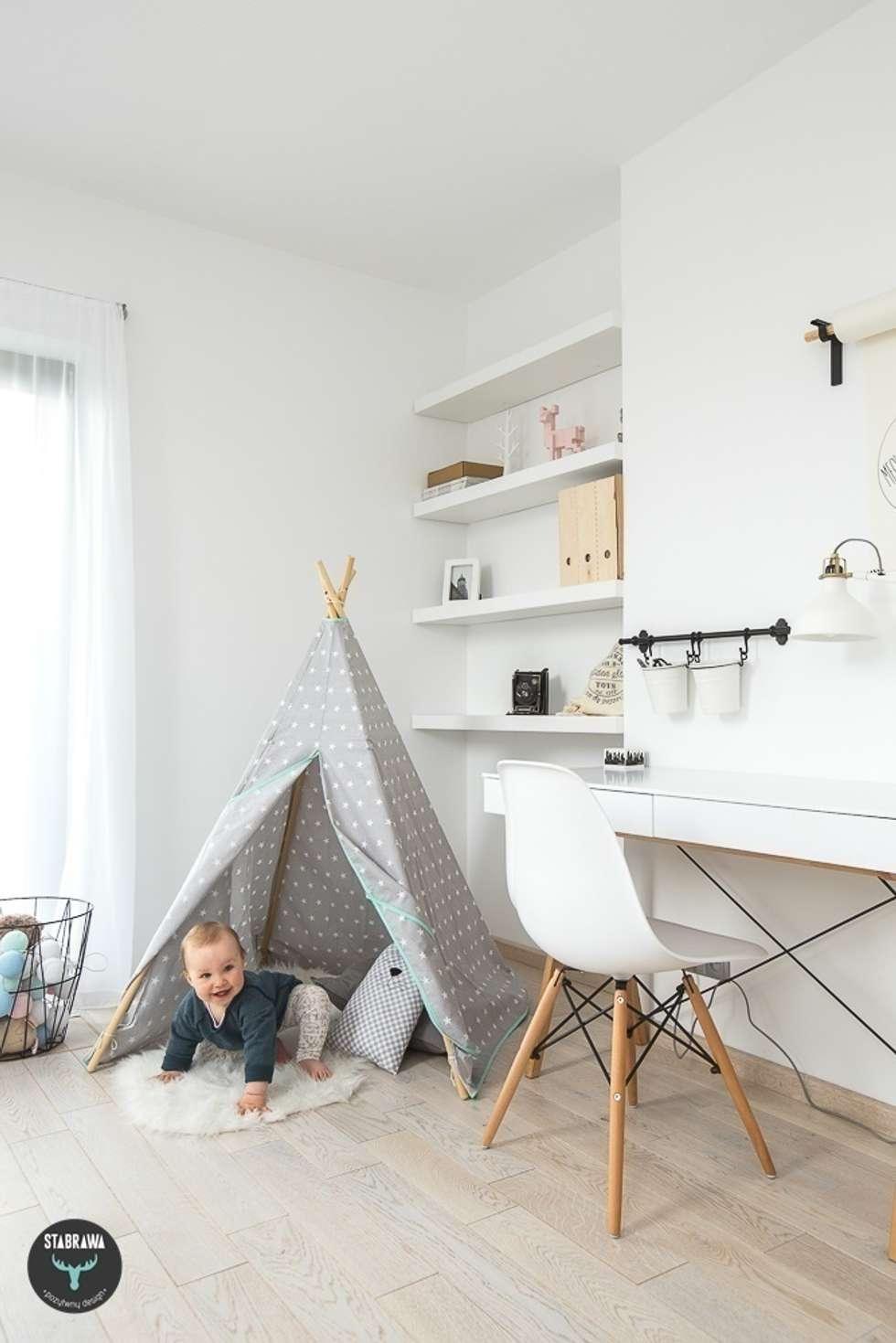 Chambre d'enfant de style de style Scandinave par stabrawa.pl