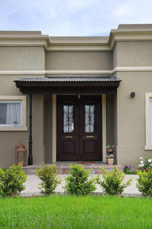 Exterior - Puerta de Entrada: Ventanas de estilo  por Opra Nova