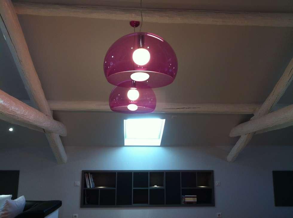 Espace salon/salle de jeux: Salon de style de style Moderne par Agence C+design - Claire Bausmayer