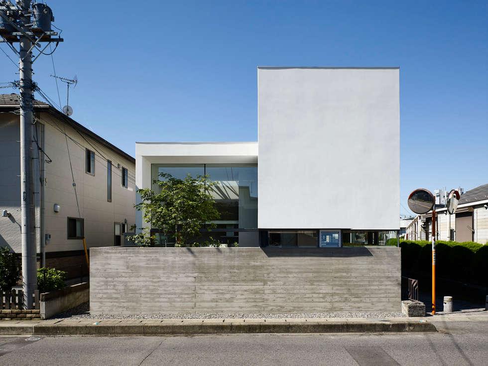moderne Häuser von 小野里信建築アトリエ