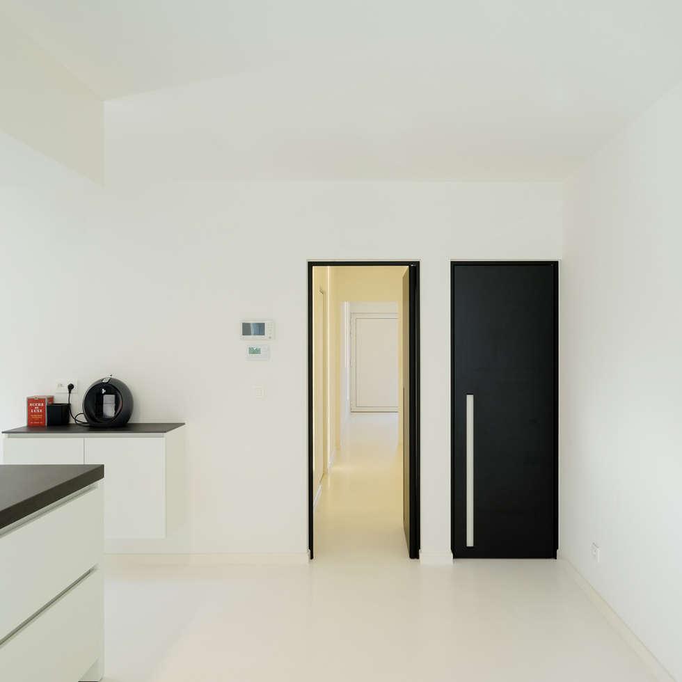 Zwarte binnendeuren:  Binnendeuren door Anyway Doors