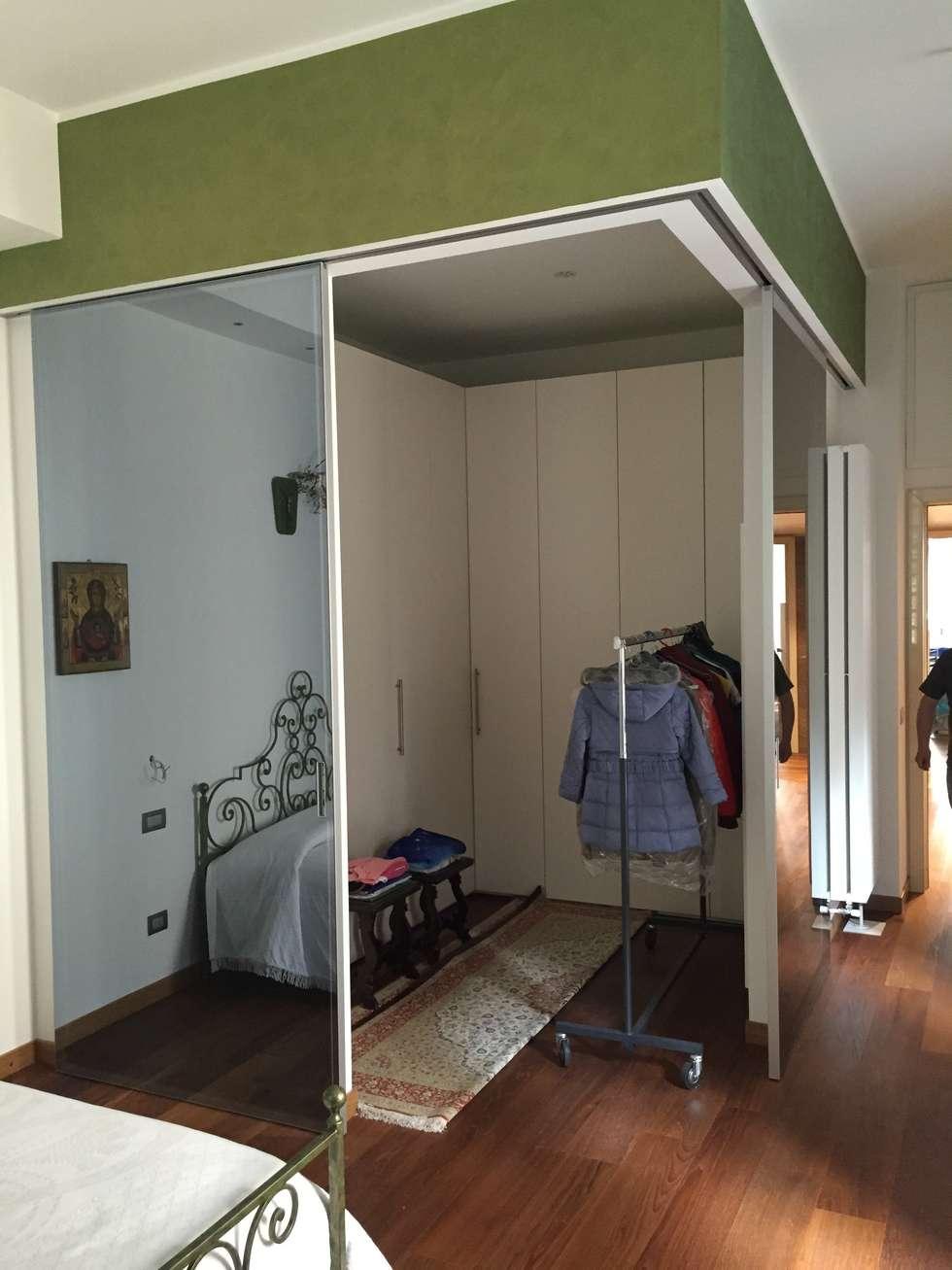 Idee arredamento casa interior design homify - Armadio con angolo cabina ...