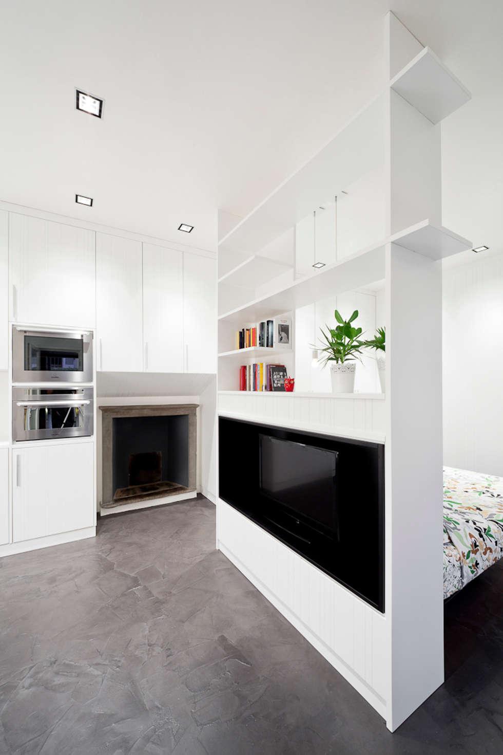 Foto di soggiorno in stile in stile minimalista : la zona ...