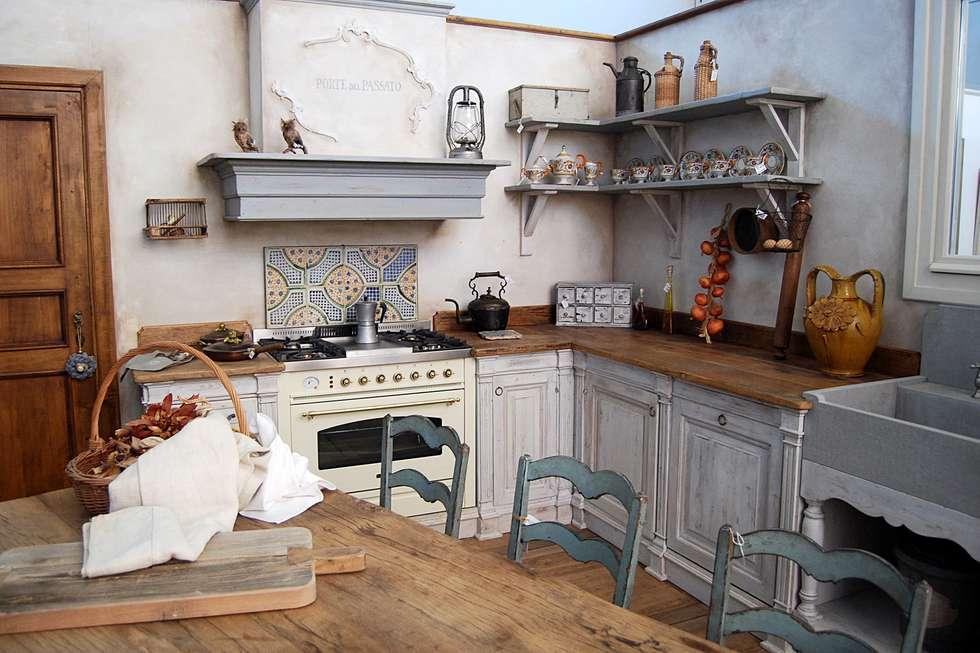 Idee arredamento casa interior design homify for Mensole cucina country