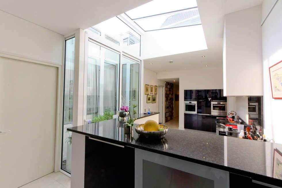 De keuken 3: moderne Keuken door Vos | Hoffer | vdHaar architecten