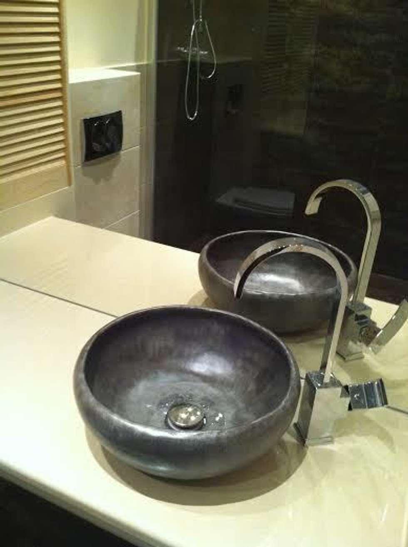 umywalka ręcznie robiona: styl , w kategorii Łazienka zaprojektowany przez dekornia