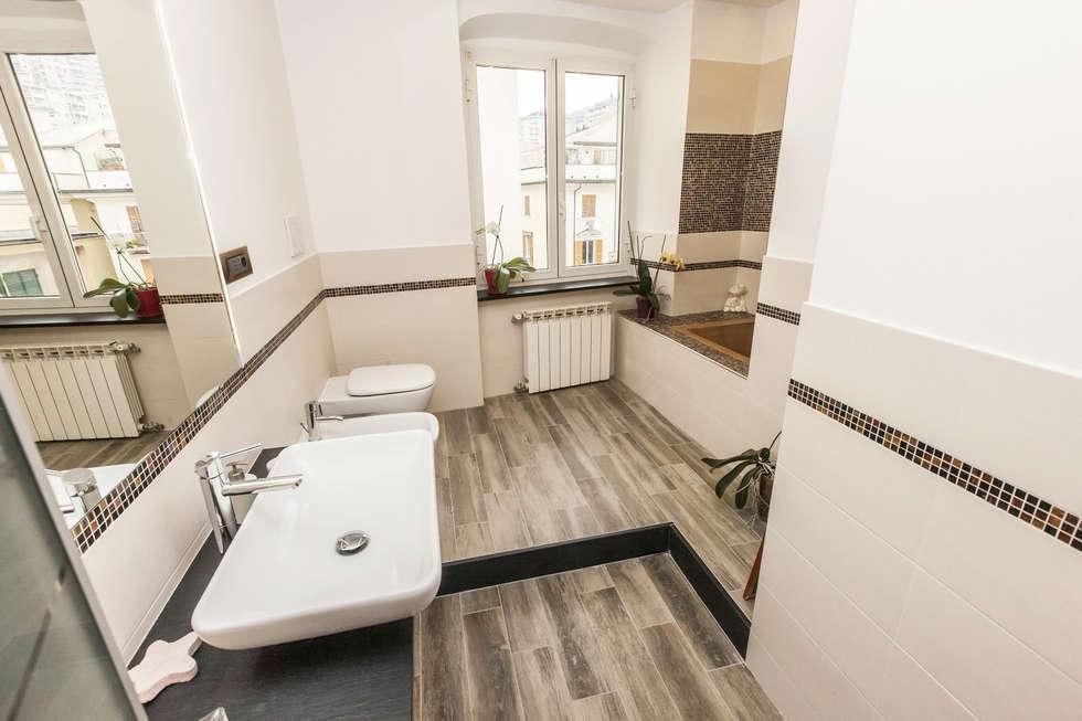 Bathroom - Genova: Bagno in stile in stile Moderno di Architetto Paola Baratta