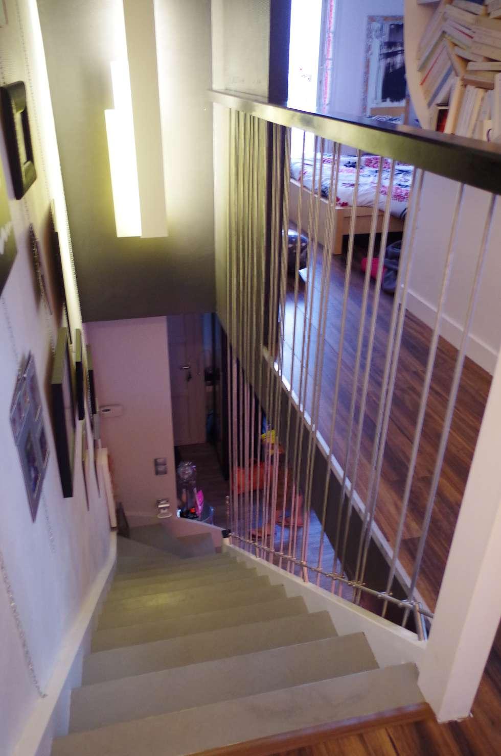 Escalier: Couloir et hall d'entrée de style  par Christèle BRIER Architechniques