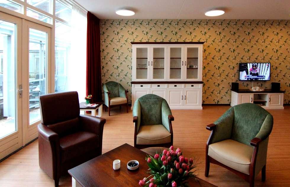 Projekty,  Salon zaprojektowane przez PAA  Pattynama Ahaus Architectuur