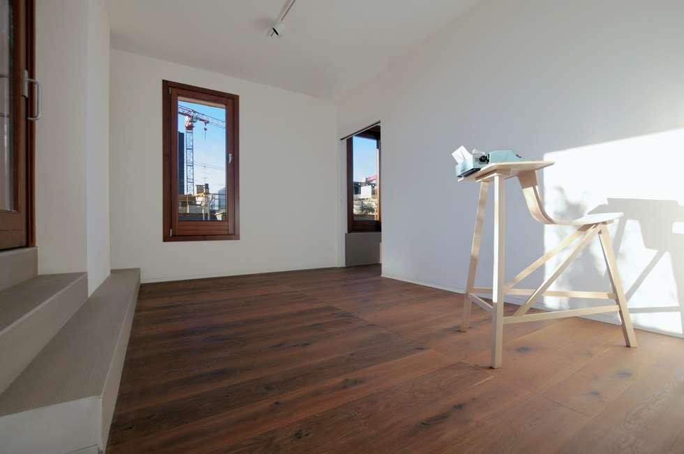 CASA ALL'EUR [2013]: Studio in stile in stile Moderno di na3 - studio di architettura