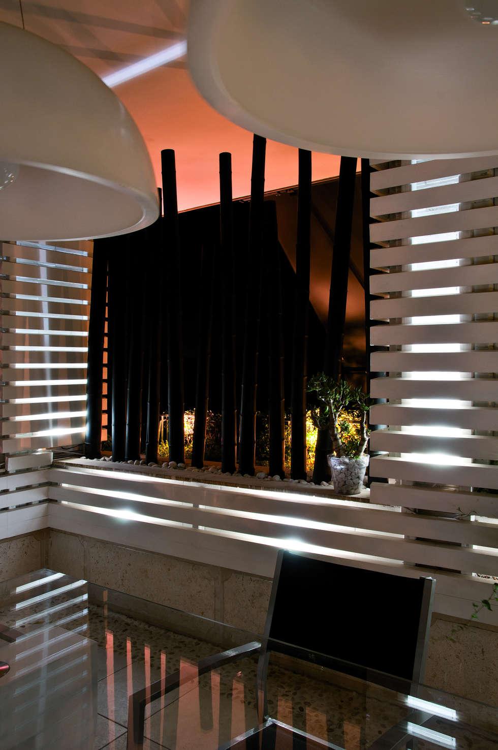 particolare: Terrazza in stile  di Fabio Valente Studio di architettura e urbanistica