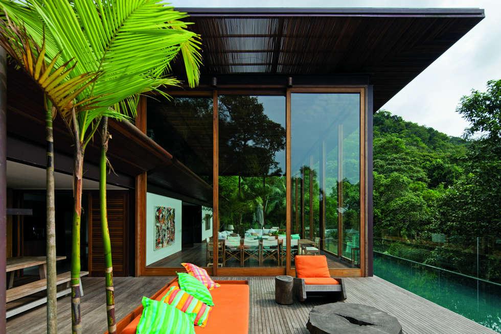 01: Casas tropicais por Jacobsen Arquitetura