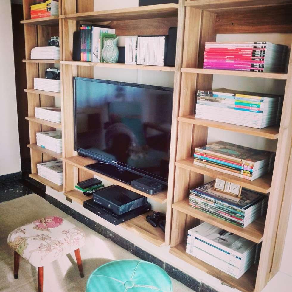 Biblioteca Pipa: Casas de estilo escandinavo por PLUMA · muebles y proyectos ·