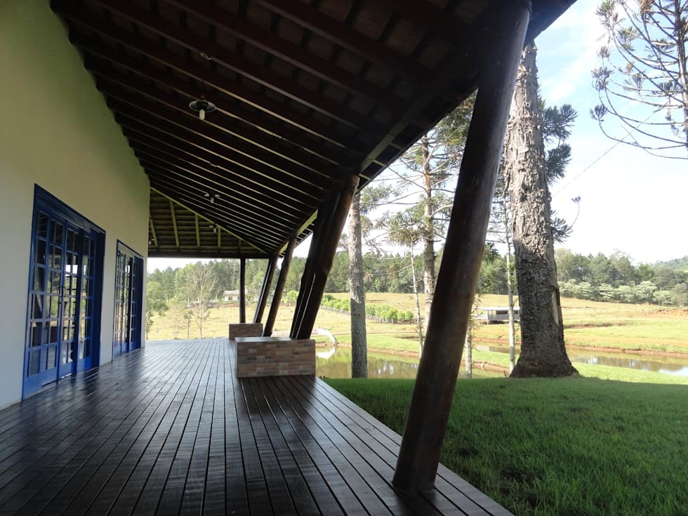 Casas de estilo rural por Márcia Pilz Arquiteta e Urbanista