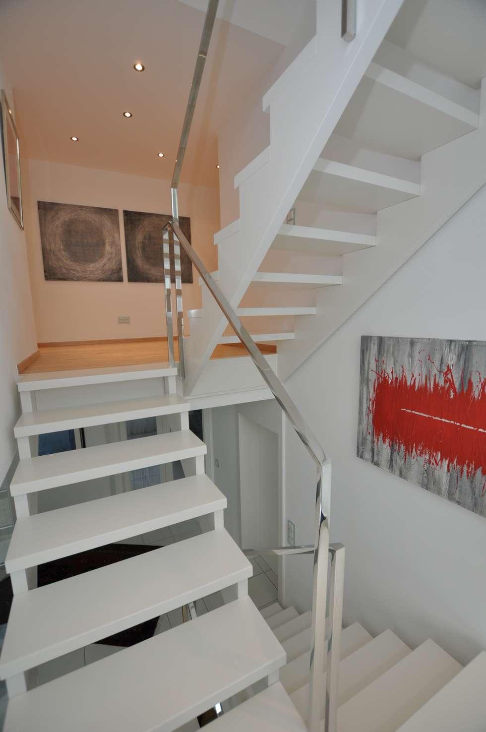 Weiße Holztreppe wohnideen interior design einrichtungsideen bilder homify
