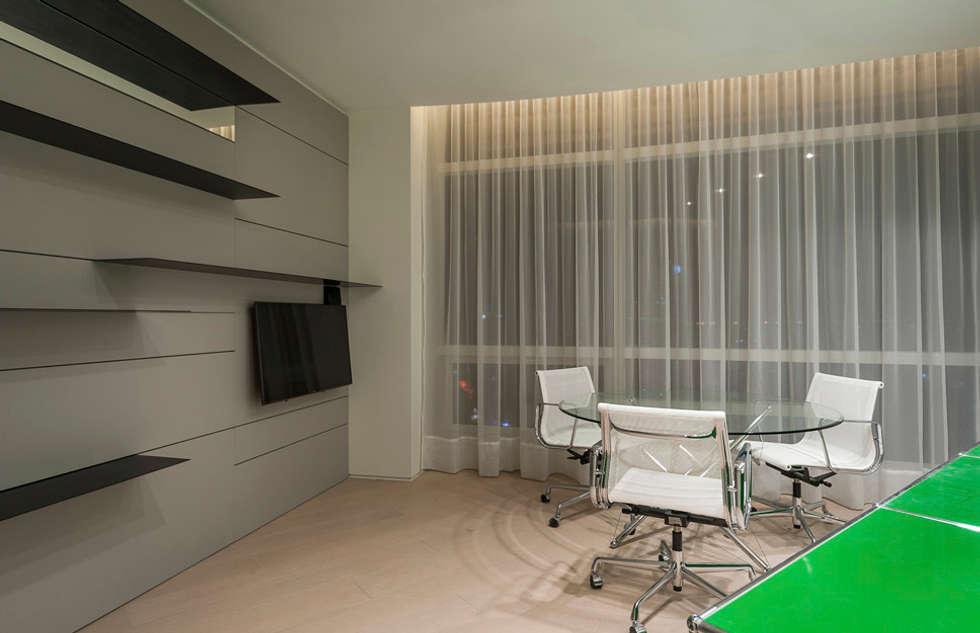 ST. REGIS 2301: Estudios y oficinas de estilo moderno por TENTER Arquitectura y Diseño