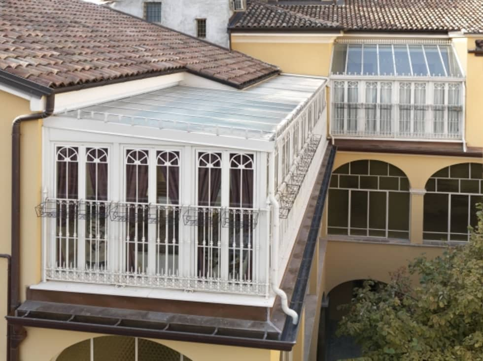 veranda CLASSICA per ATTICO: Terrazza in stile  di Cagis