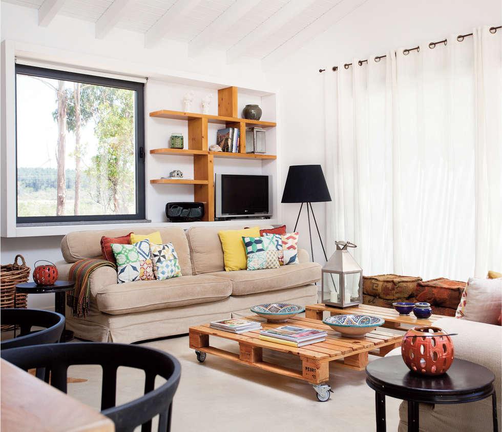 rustikale Wohnzimmer von LAVRADIO DESIGN