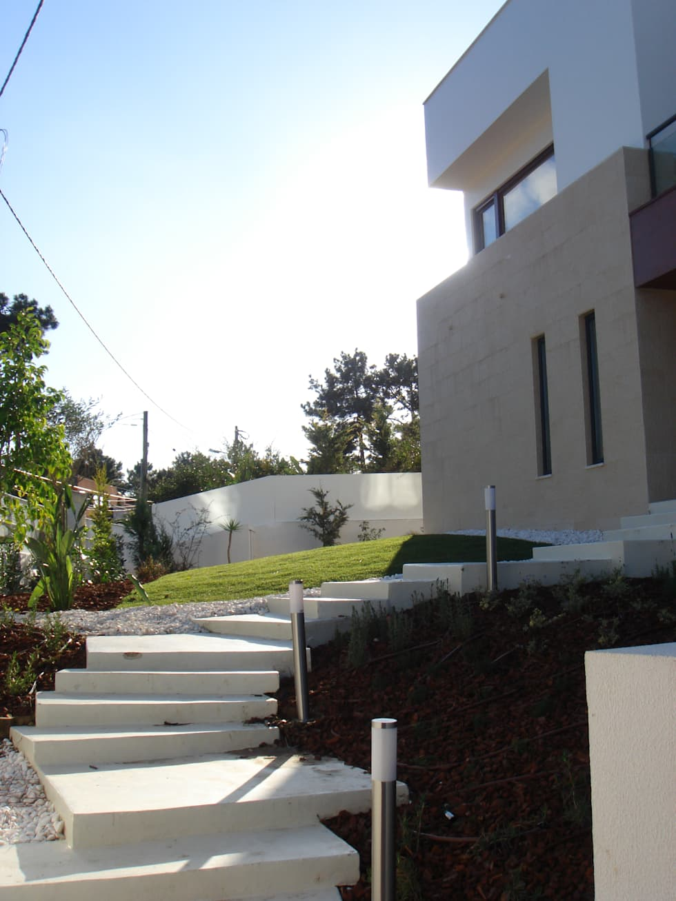 House Gui and Gus - Verdizela: Casas modernas por ASPMM, Arquitectos