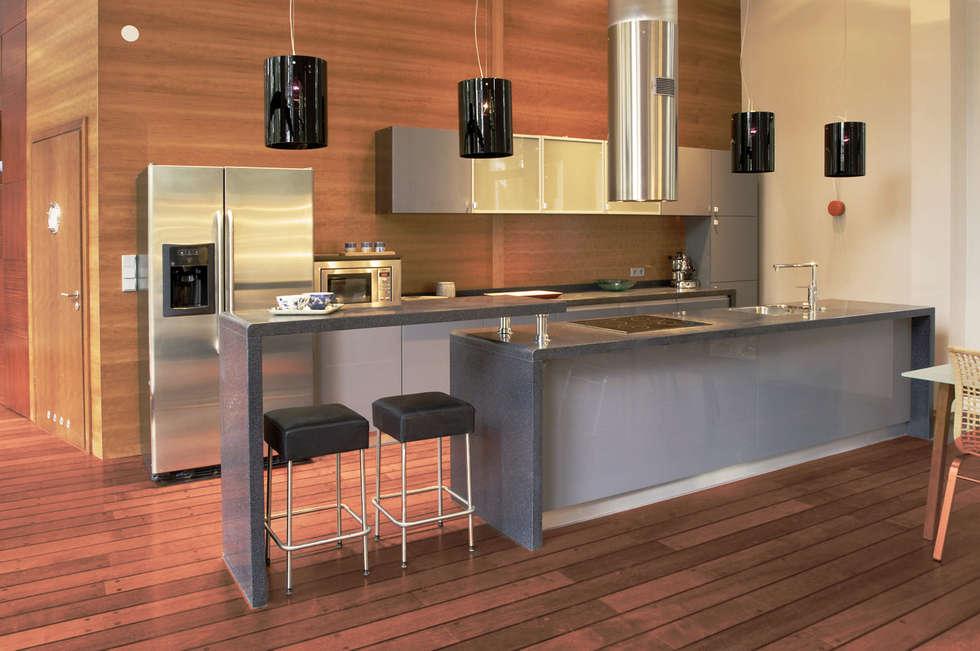 Banana House: styl , w kategorii Kuchnia zaprojektowany przez Duende Dominika Brodnicka
