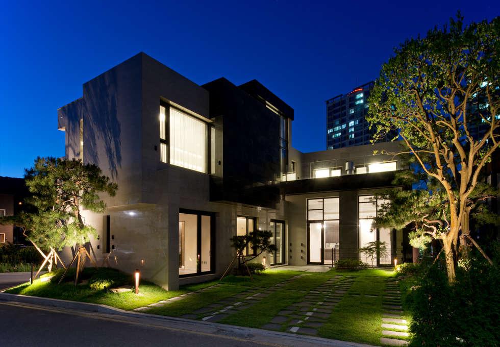 Casa 911: Design Tomorrow INC.의  주택