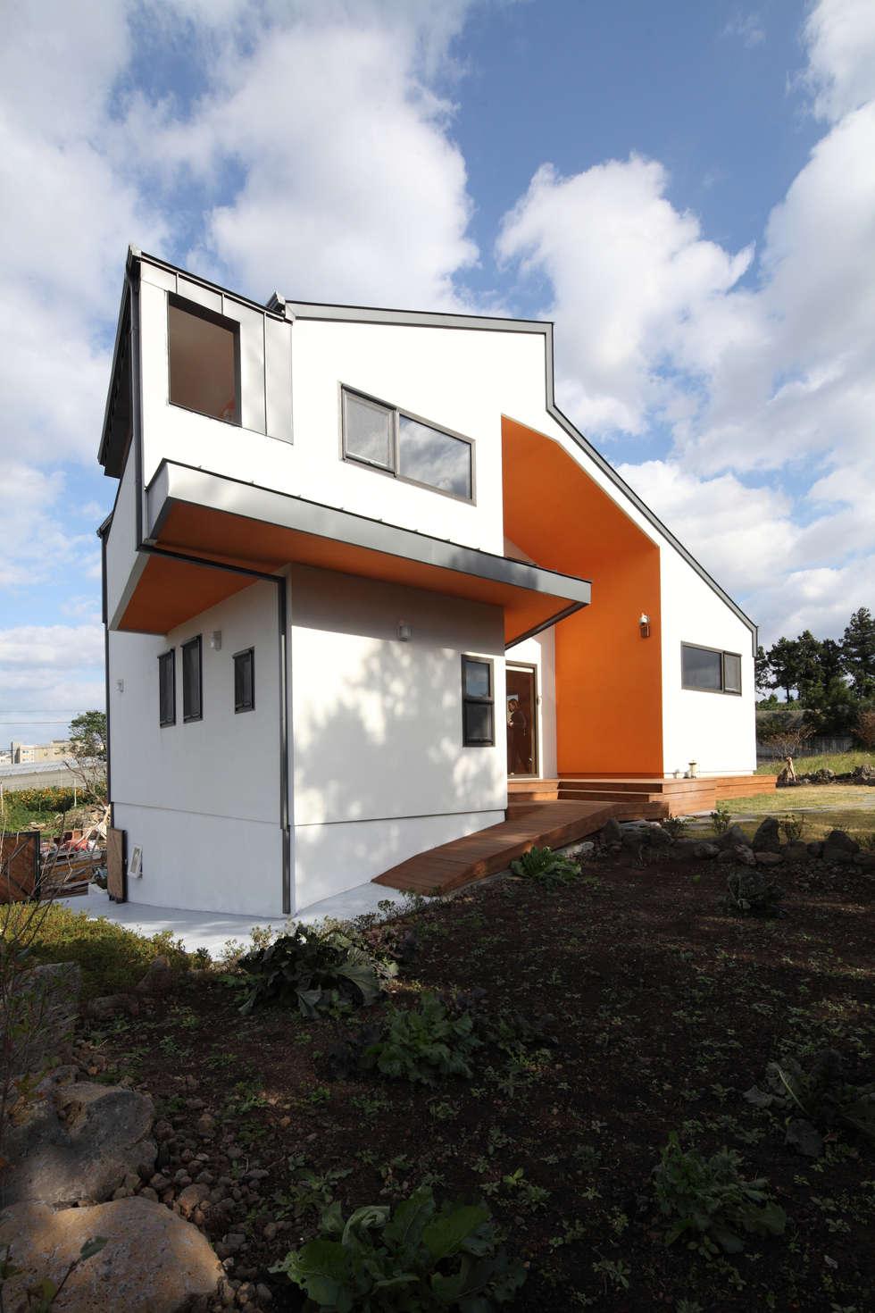 북쪽 바다조망: 주택설계전문 디자인그룹 홈스타일토토의  주택