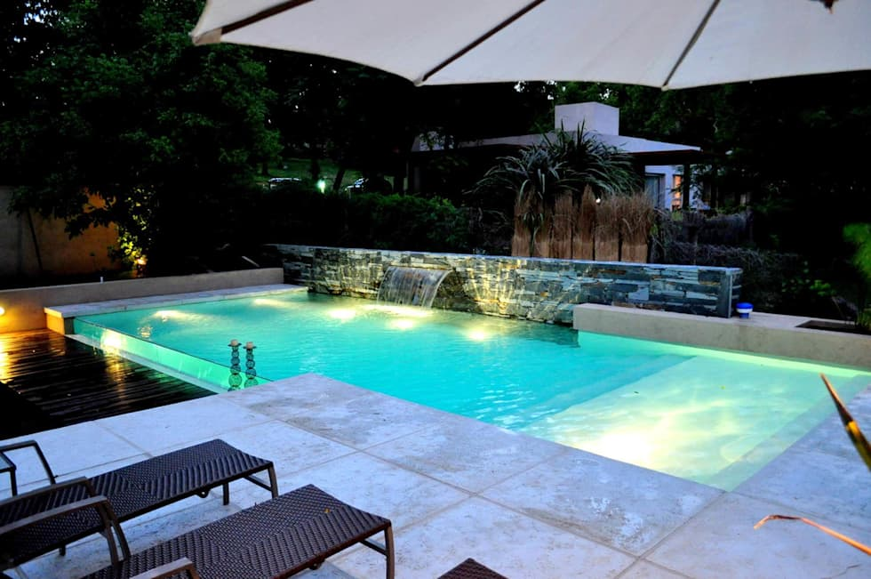 Im genes de decoraci n y dise o de interiores homify for Hoteles familiares con piscina