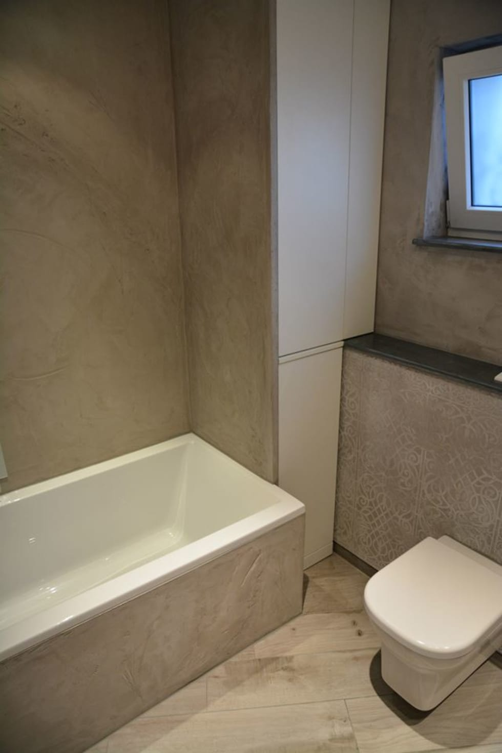 Spa und bäder fugenlose mieneralischer putz: moderne badezimmer von ...