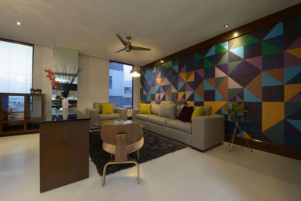 Salas / recibidores de estilo moderno por ESTUDIO TANGUMA