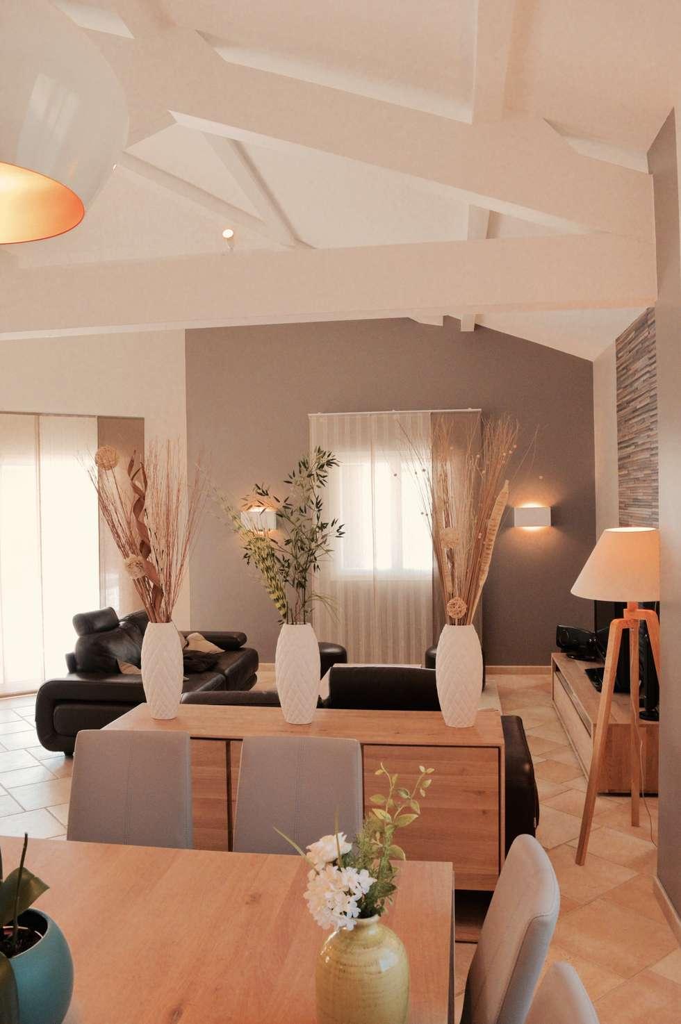 Rénovation complète d'un espace salon/cuisine/salle à manger dans un style très lumineux : Salon de style de style Moderne par COLOMBE MARCIANO